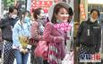 【獨家】風騷拖G奶新歡母女配眼鏡 鄧兆尊享受「偽親子遊」