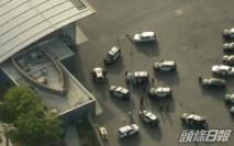 哈里王子返英前夕 洛杉磯機場可疑男駕車撞欄被捕