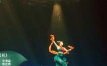 河南電視台水中舞慶端午 舞蹈員拍3次浸足26小時