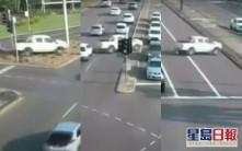 澳洲私家车高速冲越八线 奇迹未酿伤亡