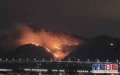 天水圍新生新村發生山火 火勢猛烈
