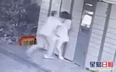 女子被醉酒男猥褻惟無及時相助 四川保安:以為夫妻吵架