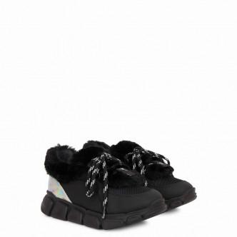 Marshmallow Winter黑色皮革絨毛運動鞋/$3,250/Giuseppe Zanotti。