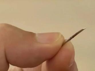 類似針筒注射器的針頭,其中前端更出現些少生鏽。(網圖)